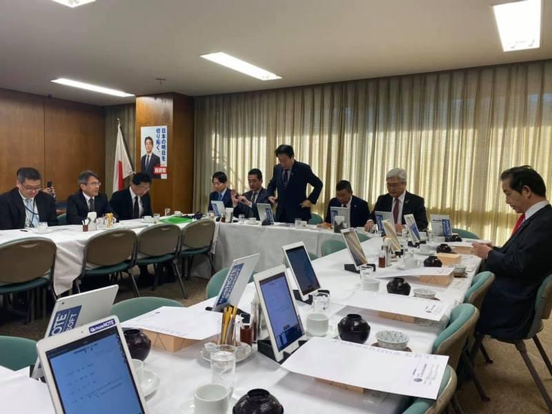 昨日も8時から、行政改革推進本部防災体制見直しチーム会議に出席 ...